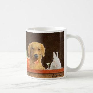 Caneca De Café As bolhas agridem/lebres do cão e de um blon novo