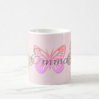 Caneca De Café As borboletas cor-de-rosa gigantes adicionam a