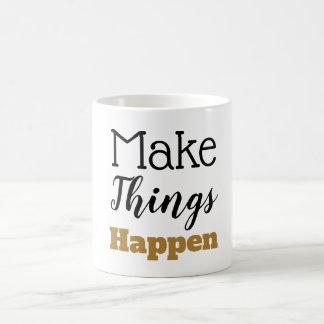 Caneca De Café As citações inspiradores fazem coisas acontecer