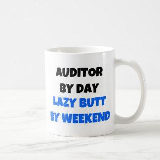 Caneca De Café Auditor em o fim de semana preguiçoso do bumbum do