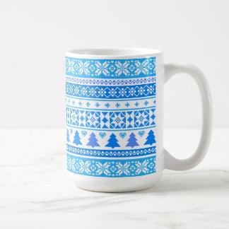 Caneca de café azul da camisola do floco de neve