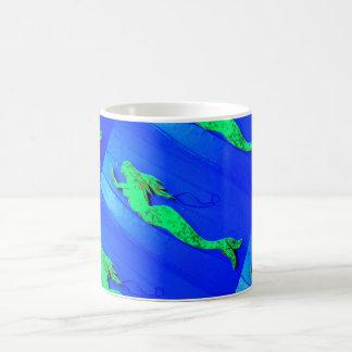 Caneca De Café azul nadador da sereia verde