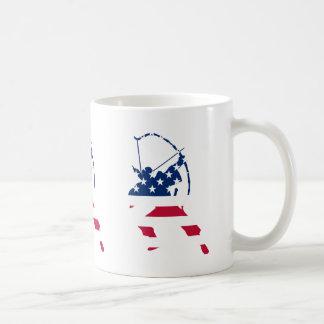Caneca De Café Bandeira americana do arqueiro do tiro ao arco dos