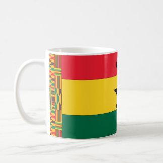 Caneca De Café Bandeira preta da estrela de Ghana