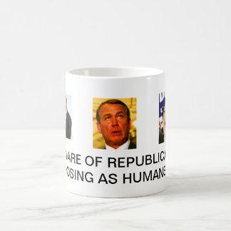 Caneca De Café Beware dos republicanos que levantam como seres