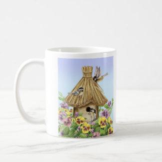 Caneca De Café Birdhouse dos Chickadees