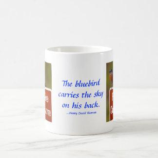 Caneca De Café Bluebird com citações de Thoreau 15 onças