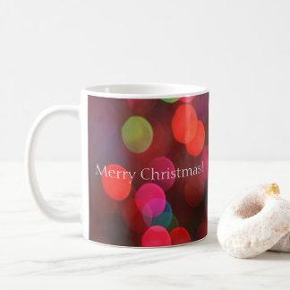 Caneca De Café Bokeh colorido ilumina o Feliz Natal