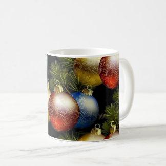 Caneca De Café Bolas bonitas do Natal com design delicado