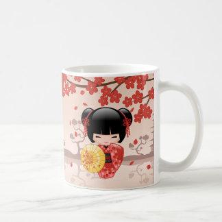 Caneca De Café Boneca vermelha de Sakura Kokeshi - gueixa