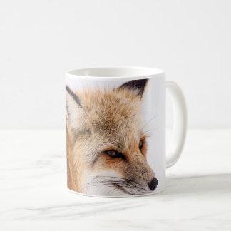 Caneca de café bonito da cara da raposa