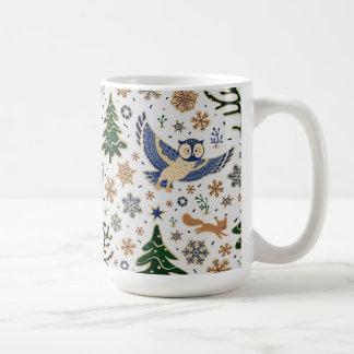 Caneca de café bonito das corujas dos animais da
