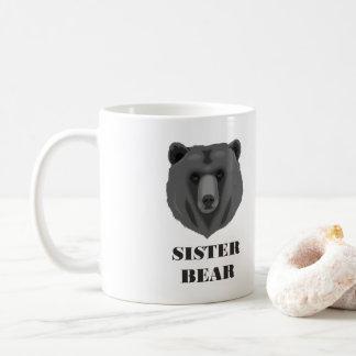 Caneca de café bonito do urso da irmã