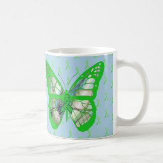Caneca De Café Borboleta azul e verde da consciência da doença de