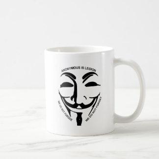 Caneca de café branco anónima