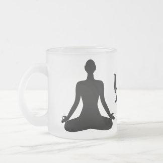 Caneca de café budista do ícone da pose da