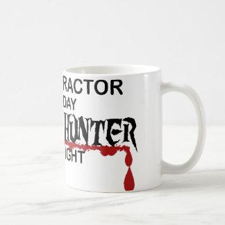 Caneca De Café Caçador do zombi do Chiropractor