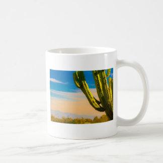 Caneca De Café Cacto do Saguaro do deserto no céu azul