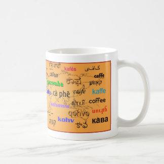 Caneca De Café Café, em muitas línguas, com fundo do mapa