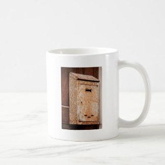 Caneca De Café Caixa postal oxidada fora