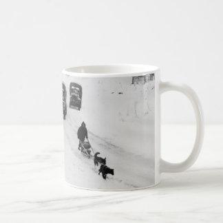 Caneca De Café Caminhões do Alasca de Dogsled & de exército