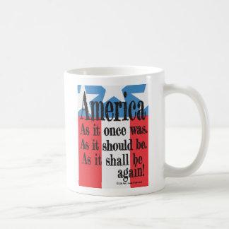 """Caneca De Café """"Caneca de café de um brinde americano"""""""