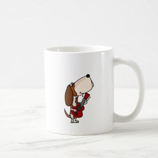 Caneca De Café Cão engraçado de Basset Hound que joga a guitarra
