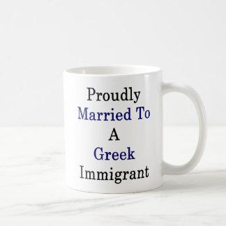 Caneca De Café Casado orgulhosa a um imigrante grego