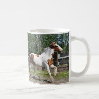 Caneca De Café Cavalo de esboço