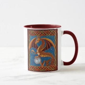 Caneca de café celestial do dragão
