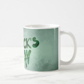 Caneca De Café Céltico verde do irlandês do trevo do Dia de São