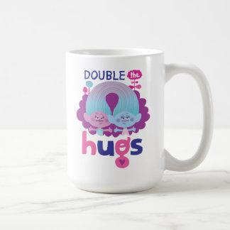 Caneca De Café Cetim dos troll | & Chenille - os os abraços dobro