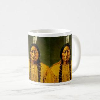 Caneca De Café Chefe indiano do nativo americano triplo de Bull