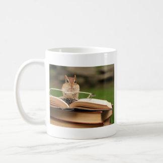 Caneca De Café Chipmunk loving do livro