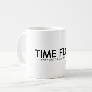 Caneca De Café CITAÇÕES: Confucius: O tempo flui afastado