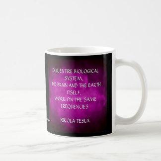Caneca De Café Citações de Nikola Tesla - as mesmas freqüências