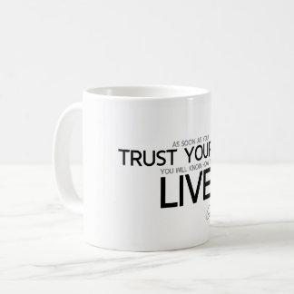 Caneca De Café CITAÇÕES: Goethe: Confiança você mesmo