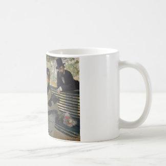 Caneca De Café Claude Monet - Camilo Monet em um banco