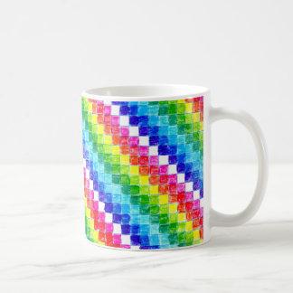 Caneca De Café Colorido em quadrados do papel de gráfico