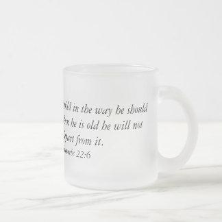 Caneca de café com verso da bíblia
