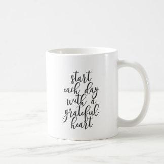 Caneca De Café Comece cada dia com um coração grato