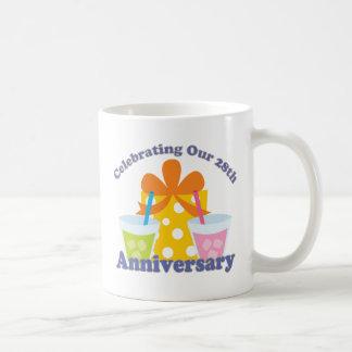 Caneca De Café Comemorando nosso 28o presente do aniversário