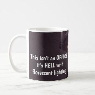 Caneca de café cómico do escritório