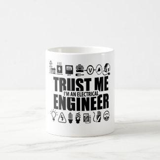 Caneca De Café Confie-me, mim são um engenheiro electrotécnico
