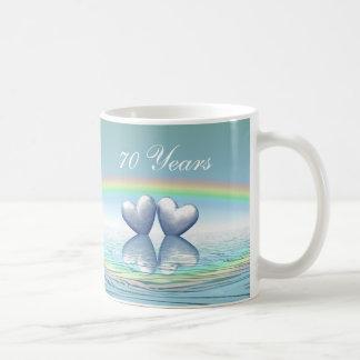 Caneca De Café corações da platina do aniversário do 70