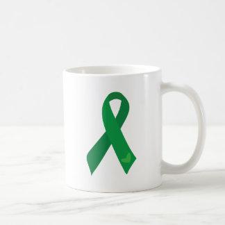 Caneca De Café Corações verdes da fita