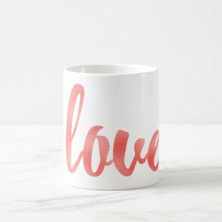 Caneca de café coral do amor, folha