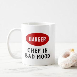 Caneca De Café Cozinheiro chefe customizável do perigo no humor