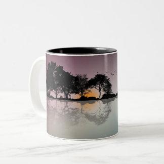 Caneca de café crepuscular legal da reflexão da