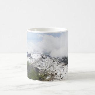 Caneca De Café Cume da montanha nos cumes suíços